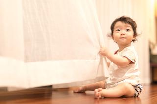 松下様 娘がひらひらのカーテンと戯れてます 38.jpg